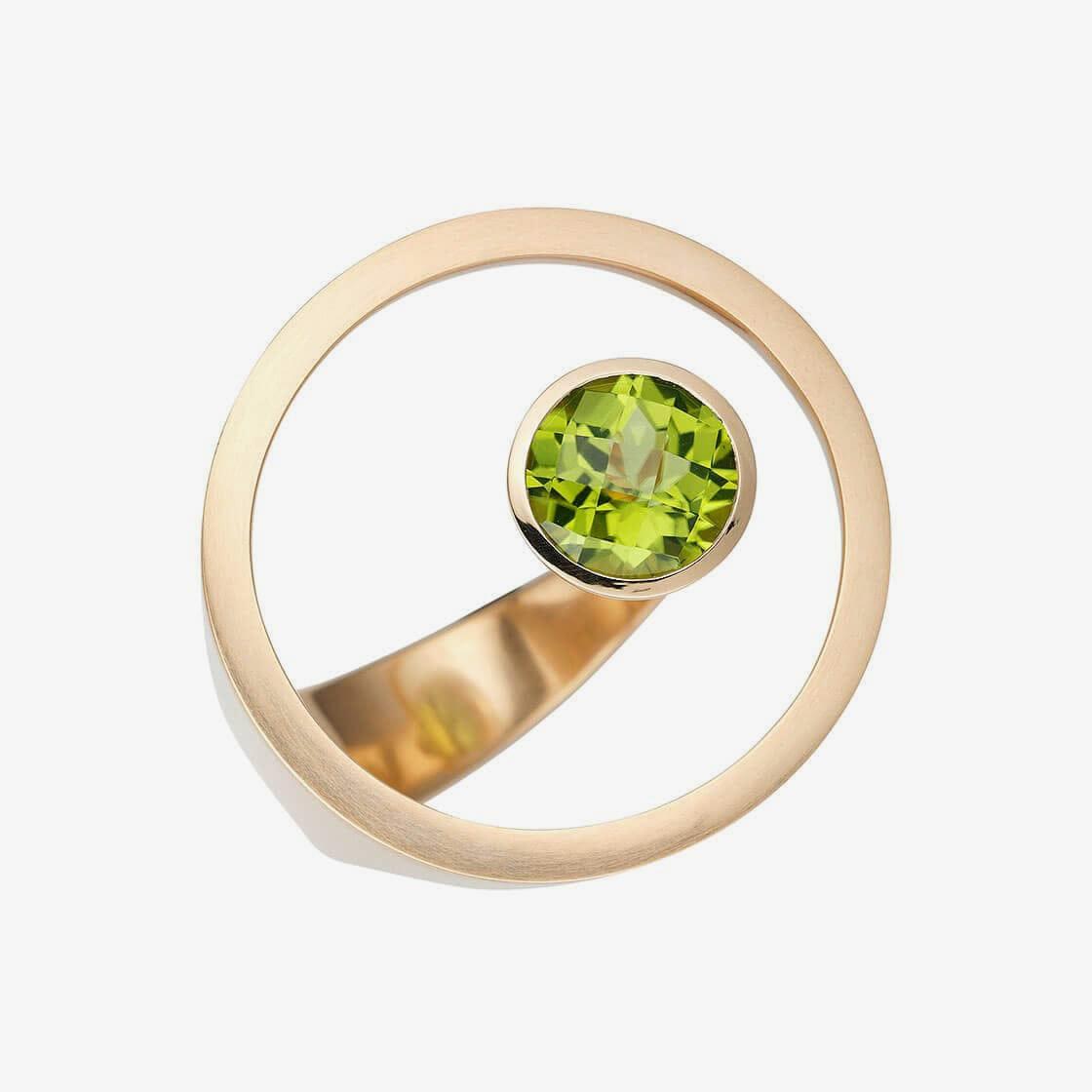 huebel-ring-schatzinsel-peridot-01
